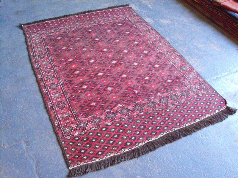 A Hard Wearing Semi Old Pelas Rug 165cm x 115cm