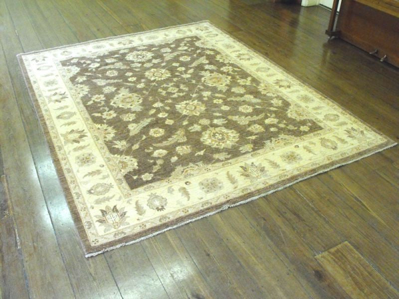 A Beautiful Ziegler Carpet: 298cm x 242cm