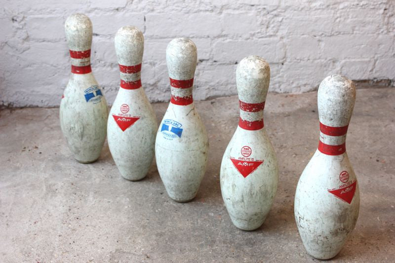 A Group of Five American Vintage AMF Amflite II Bowling Pins