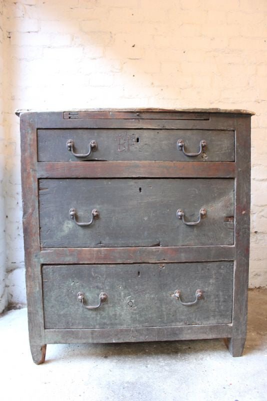 A Fantastic George III c.1780 Estate-Made Provincial Oak Chest of Drawers