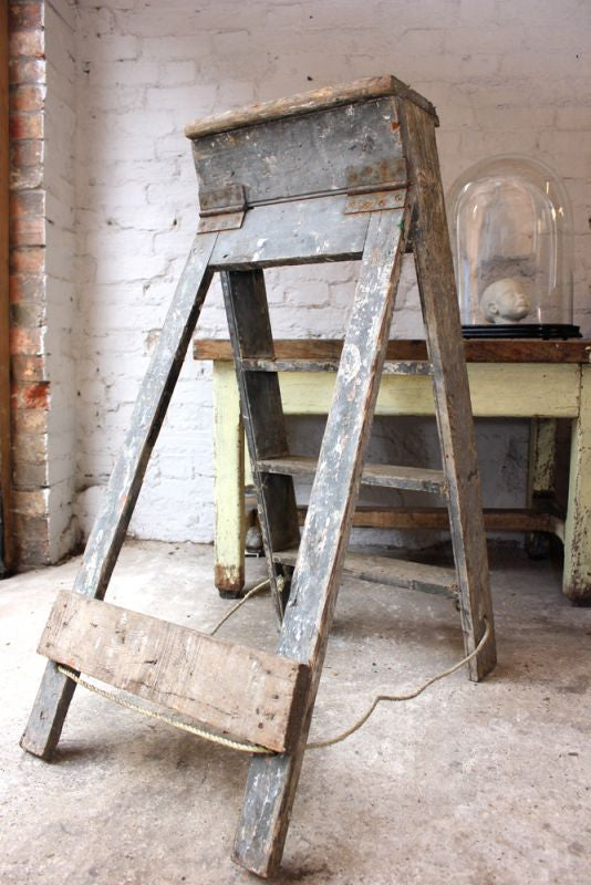 An Attractive Early 20thC Painted Oak Step Ladder