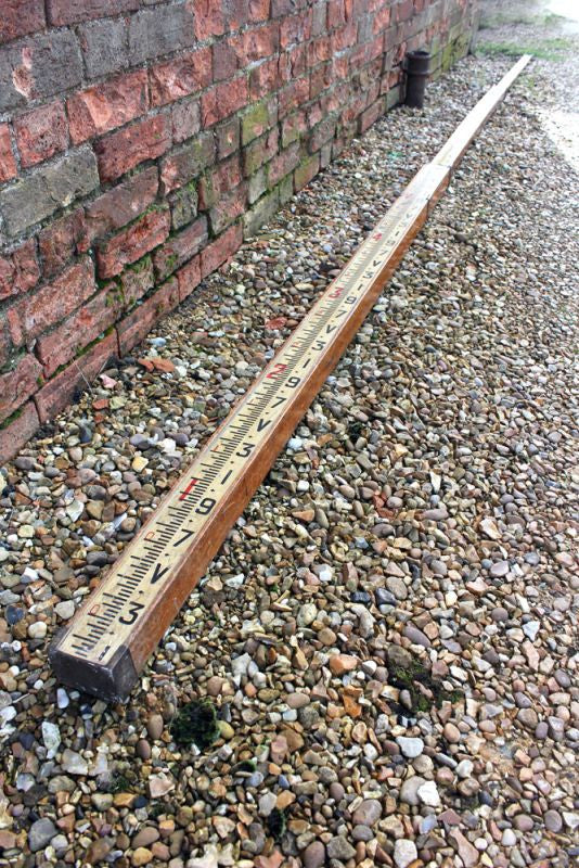 A Large Early 20thC WF Stanley Telescopic Oak & Brass Surveyors Measuring Rod