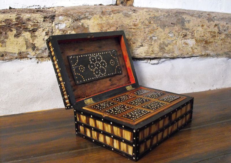 A Late 19thC Ebony & Bone Inlaid Compartmentalised Quillwork Box