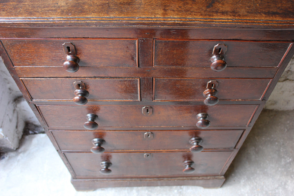 A Charming George II Provincial English Oak Chest of Drawers c.1740-60