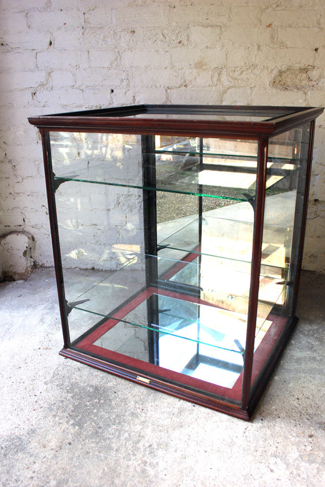 A Very Good Quality c.1890 Mahogany Shop Counter Display Cabinet by H.Mills Shop Fitter, London