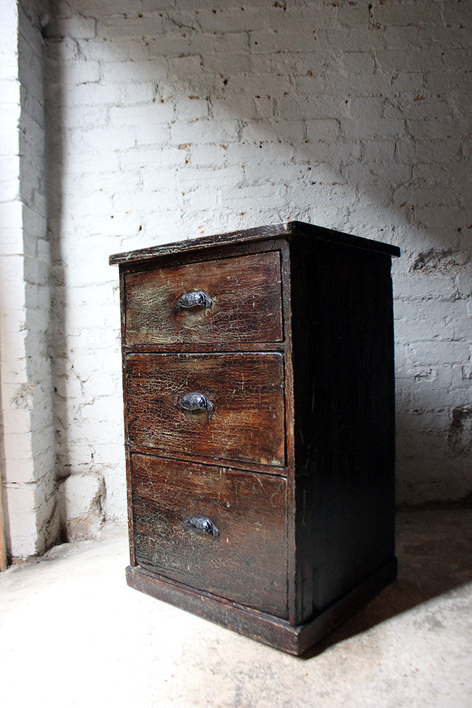 A Decorative Victorian Scumbled Pine Pillar Chest Of Three Drawers c.1870