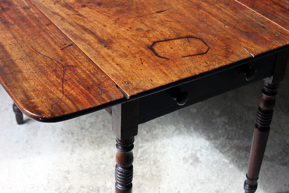 A Handsome William IV Oak & Mahogany Pembroke Table c.1835