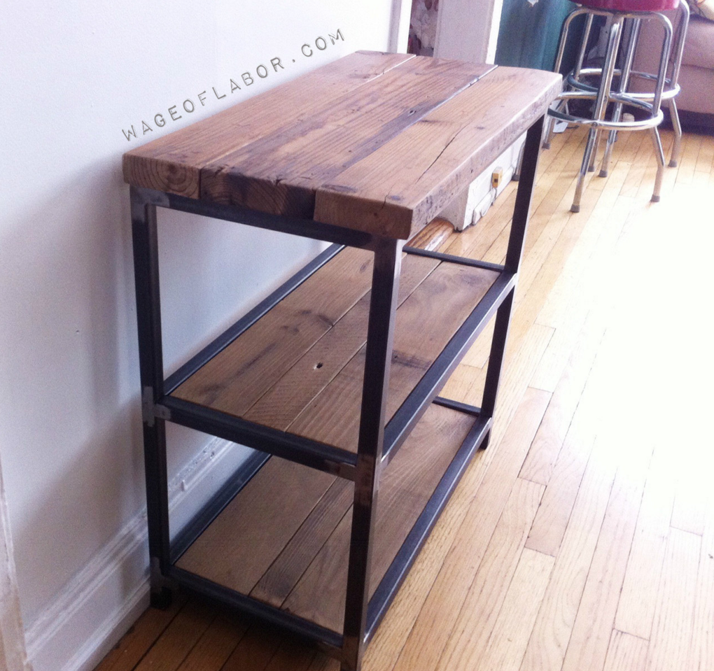 Attirant Reclaimed Wood And Steel Shelving Unit