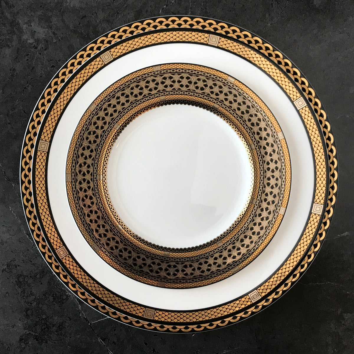 "HAWTHORNE ONYX 10.75"" Bone China Simple Dinner - G/BL/PL - Caskata"