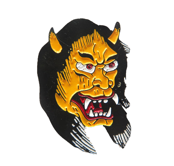 pin demonio amarillo