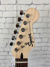 Load image into Gallery viewer, SQUIER BY FENDER BULLET® STRATOCASTER® HSS SUNBURST