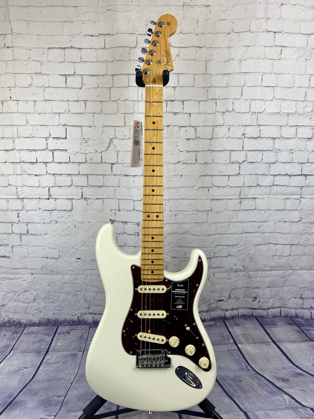 FENDER AMERICAN PROFESSIONAL II STRATOCASTER® OLYMPIC WHITE