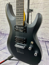 Load image into Gallery viewer, Schecter C-6 Deluxe Satin Black