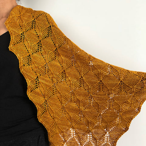 Beeswax Shawl by Amy Van de Laar