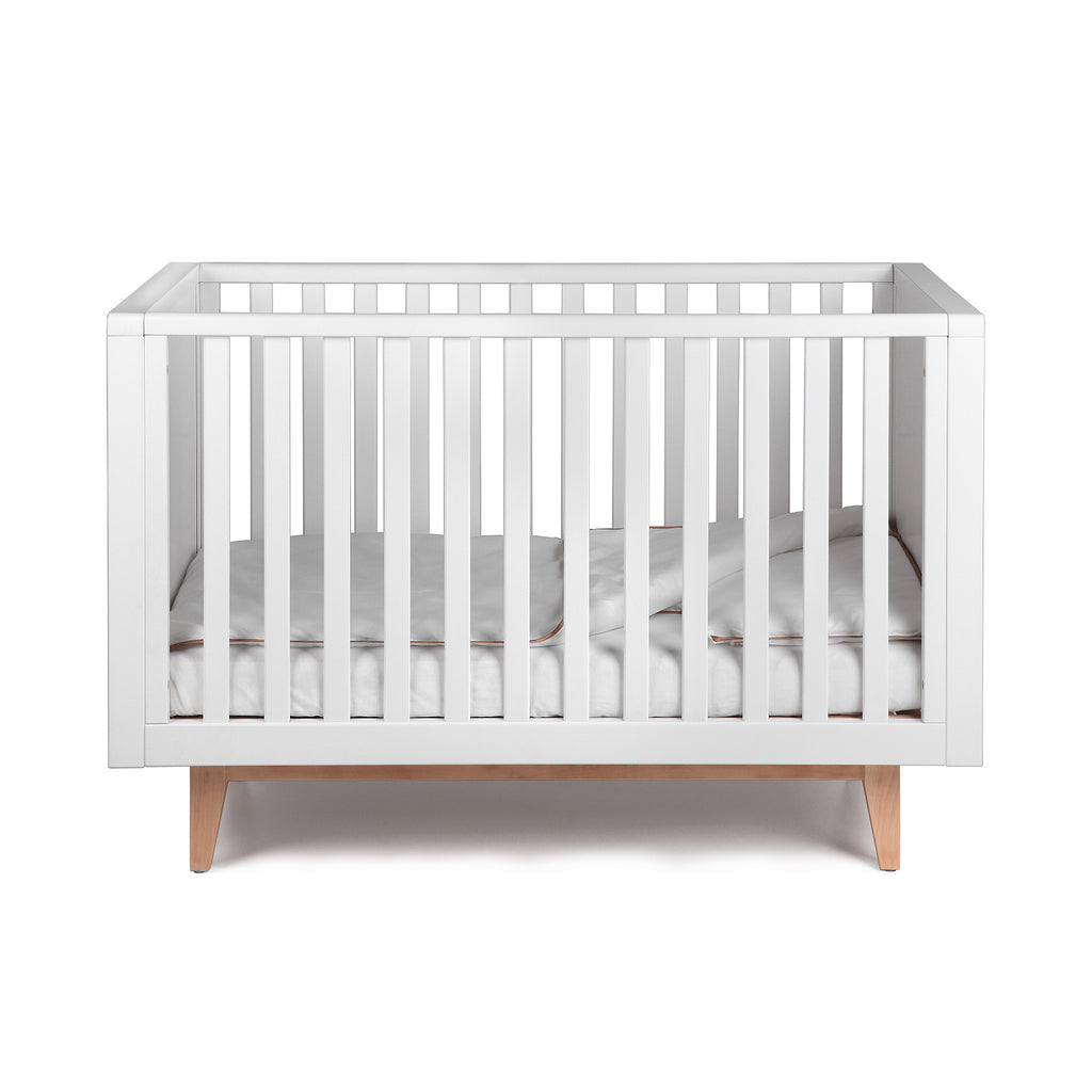 Troll Scandy Cot - White with Natural Legs (PRE-OREDER FOR JANUARY 2021)