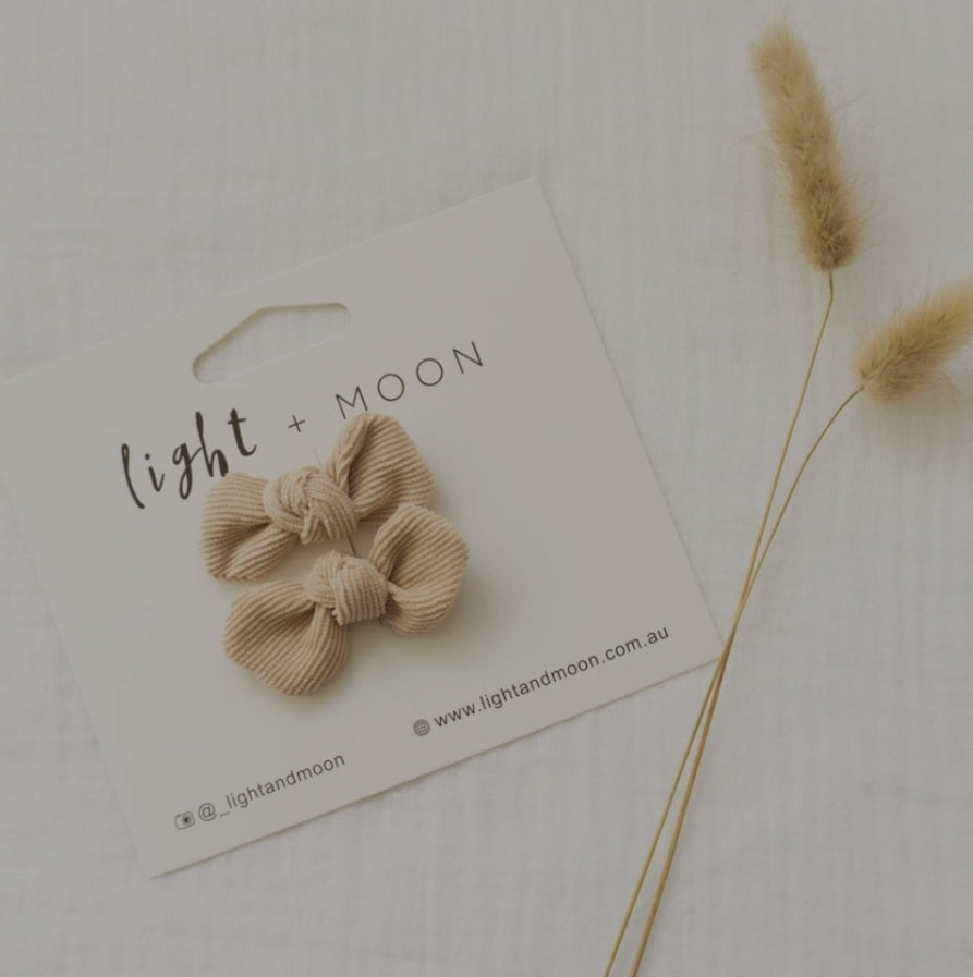 Light + Moon Mini Corduroy Bow Clips - Beige