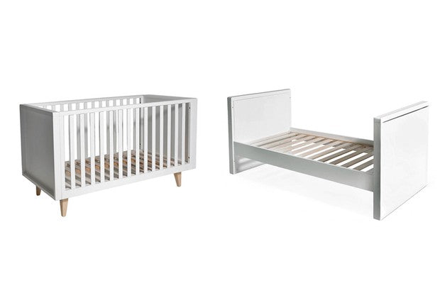 Troll Scandy Cot - White with Natural Legs