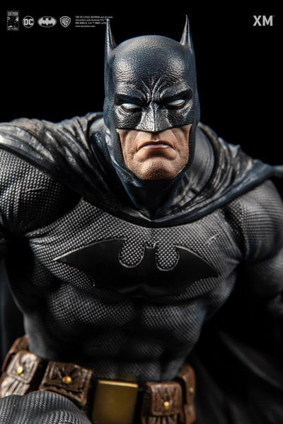 Batman HUSH 1/6 Scale Statue