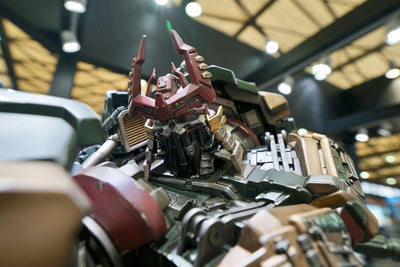 Transformers Bludgeon Exclusive Statue