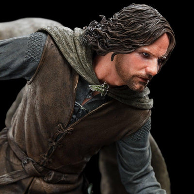 Aragorn At Amon Hen 1/6 Scale Statue