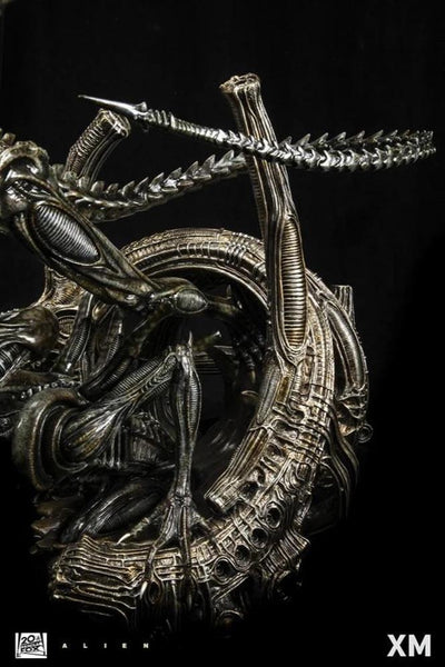 Alien Warrior 1/3 Scale Statue