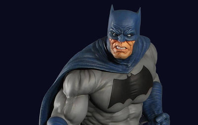 Dark Knight 1/6 Scale Batman Maquette