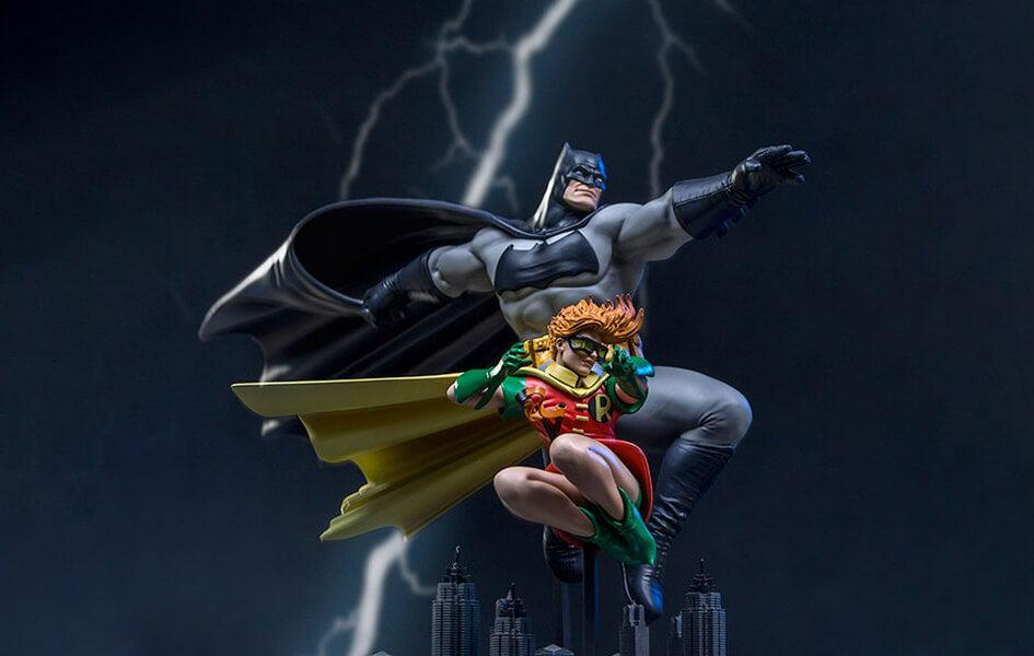 Batman & Robin -Frank Miller Edition- The Dark Knight Returns 1/10 Scale Statue by Iron Studios