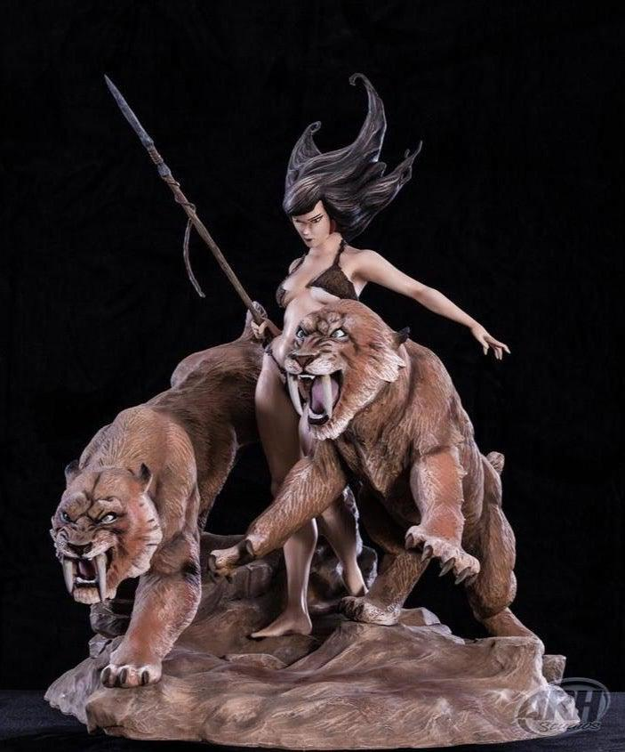 Frazetta HUNTRESS 1/4 Scale Statue by ARH Studios