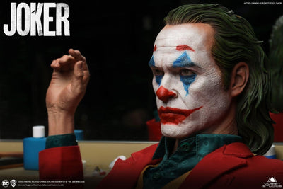 The Joker (2019) PREMIUM 1:3 Scale Statue