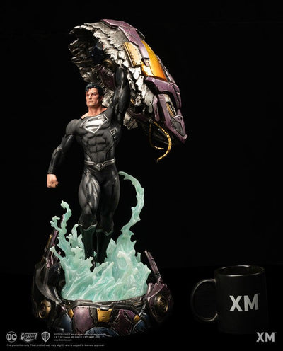 Recovery Suit Superman 1/6 Scale Statue