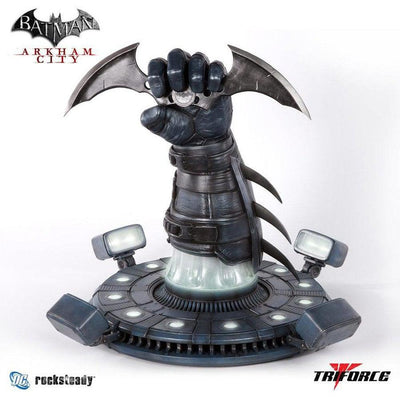 Batman: Arkham City - BATARANG Full Scale Replica by TriForce Collectibles