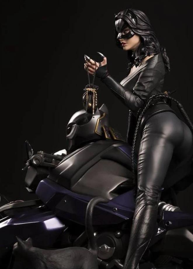 Catwoman 1/4 Scale Statue by XM Studios