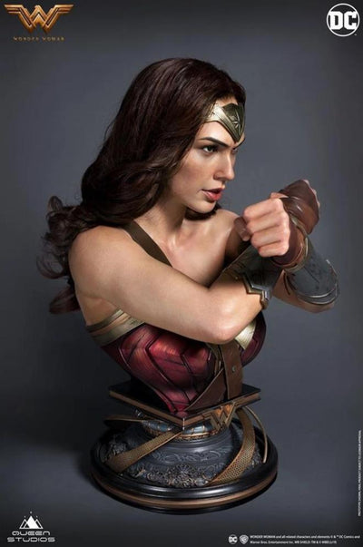 Justice League: Wonder Woman Lifesize 1:1 Bust