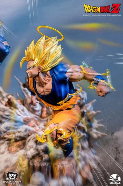 Dragon Ball Z: SS2 Goku Vs Majin Vegeta Statue