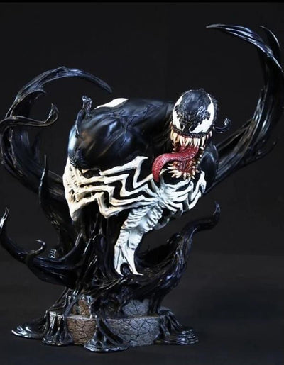 Venom 1/4 Scale Bust by XM STUDIOS - DISPLAYED