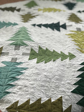 Load image into Gallery viewer, Evergreen quilt pattern for Christmas quilting.