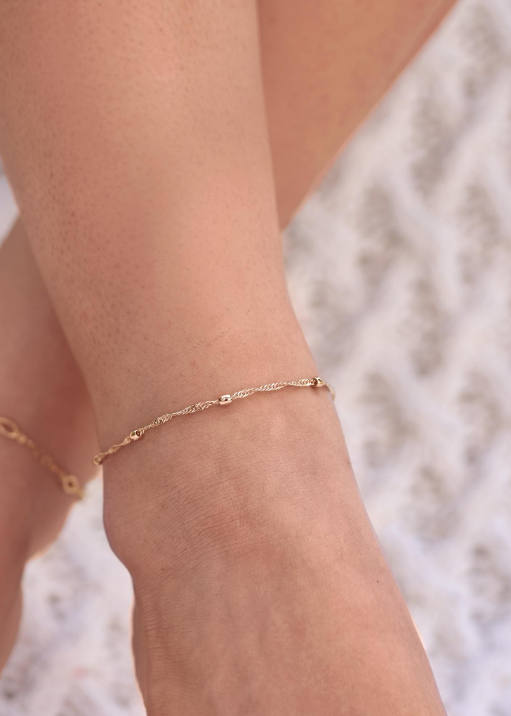 Holly Anklet