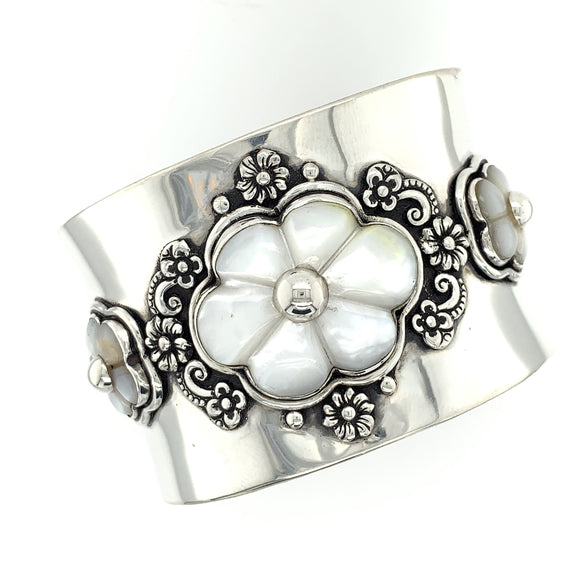 Carved Mother-of-Pearl Cuff - Qinti - The Peruvian Shop