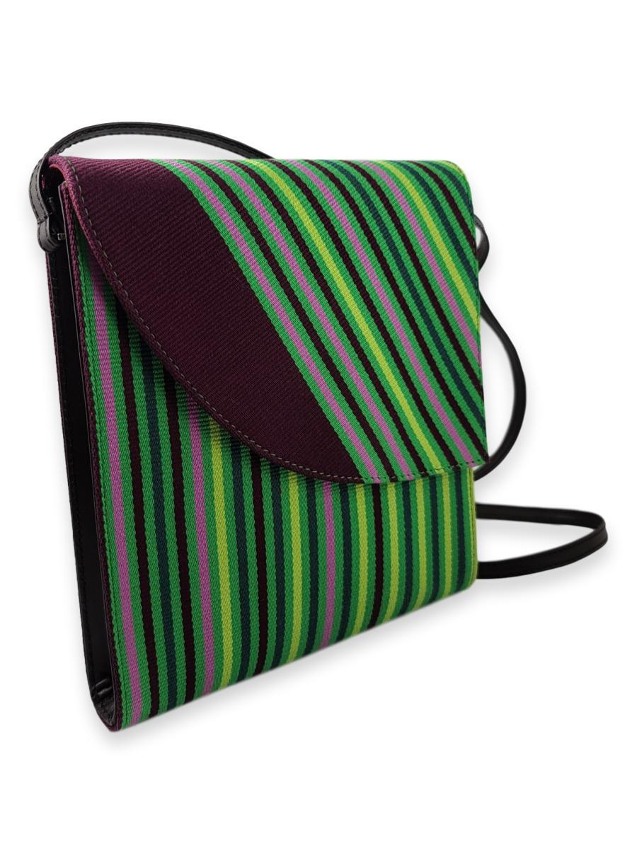 Curva Crossbody in Orchid - Qinti - The Peruvian Shop