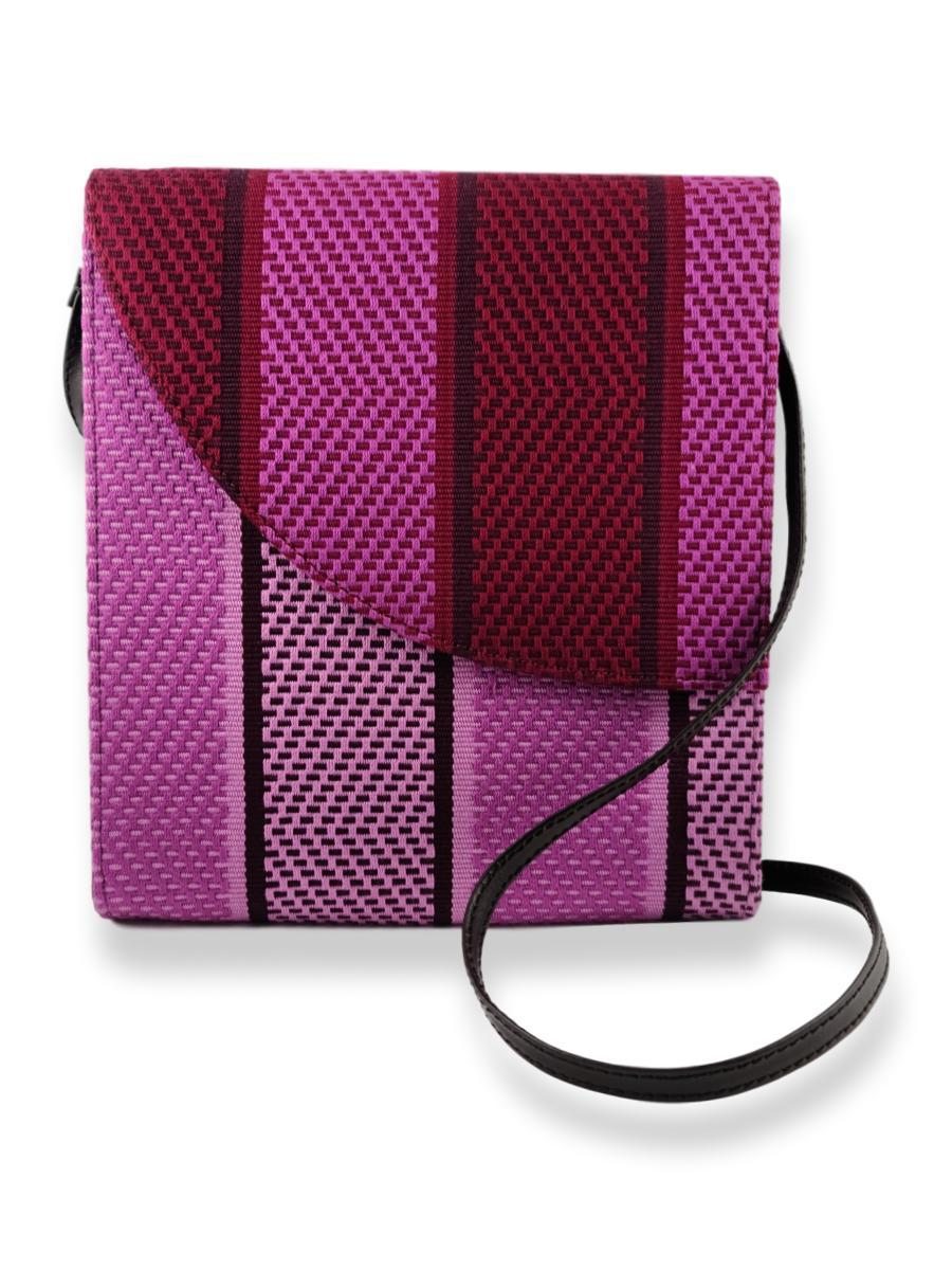 Curva Crossbody in Nocturnal Orchid - Qinti - The Peruvian Shop