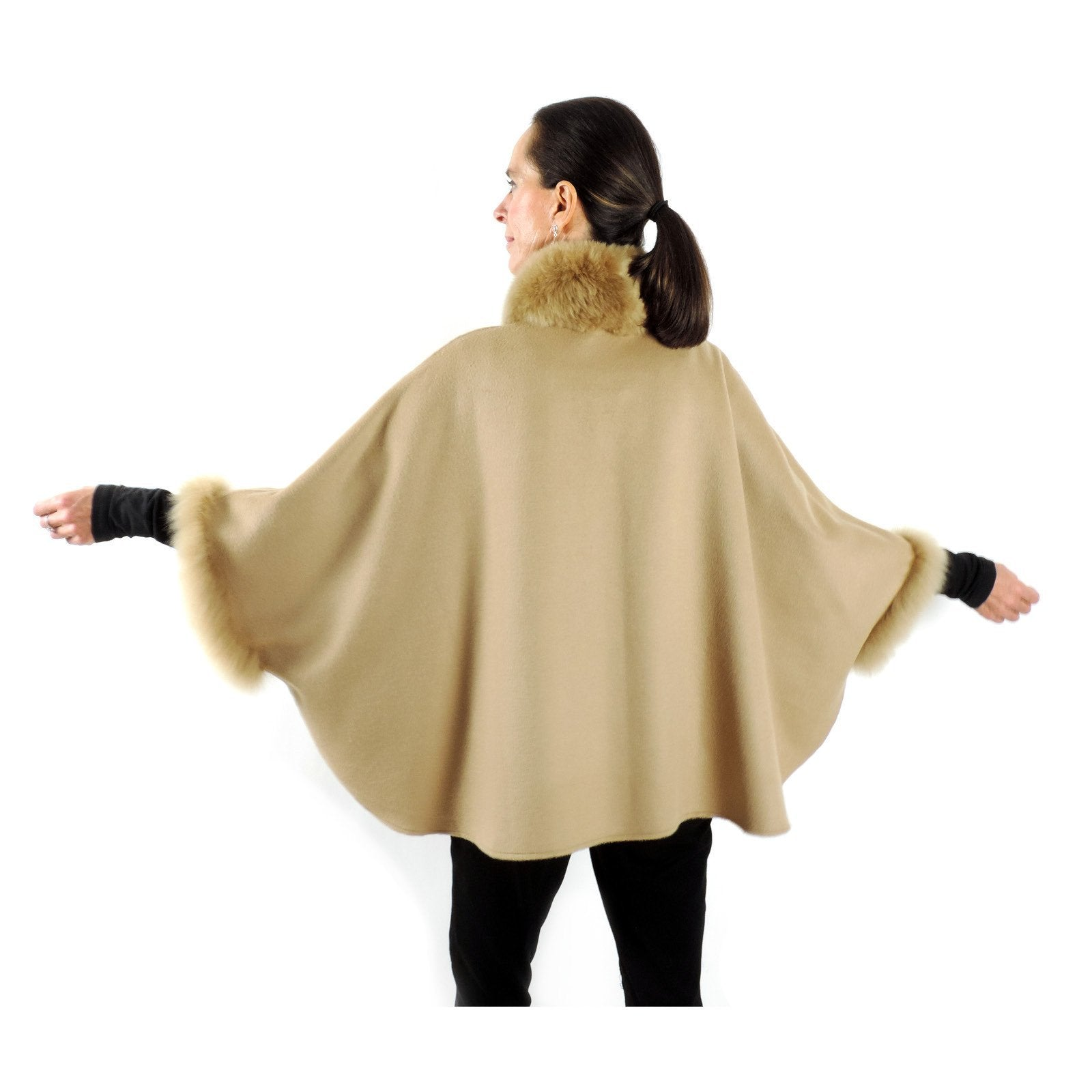 Baby Alpaca Cape with Fur Collar and Sleeves - Beige - Qinti - The Peruvian Shop