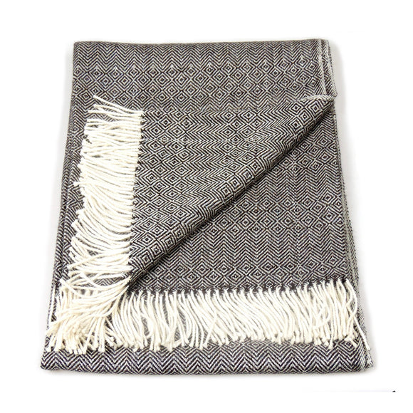 Fringed Baby Alpaca Herringbone Blanket in Charcoal & Cream - Qinti - The Peruvian Shop