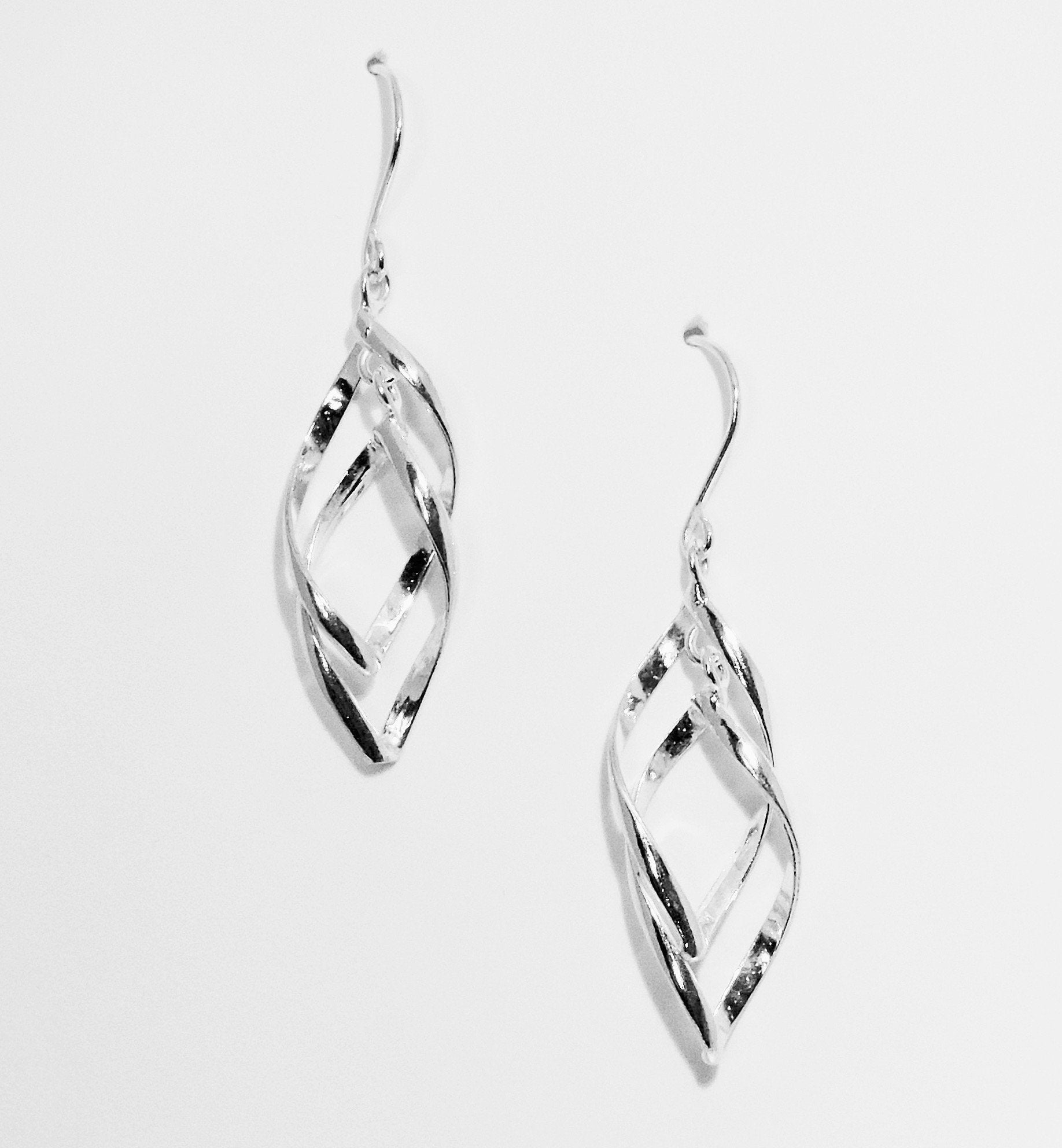 Dancing Twists Sterling Silver Earrings - Qinti - The Peruvian Shop