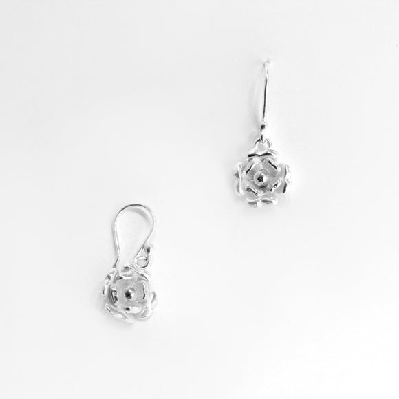 Dangling Flower Sterling Silver Earring - Qinti - The Peruvian Shop