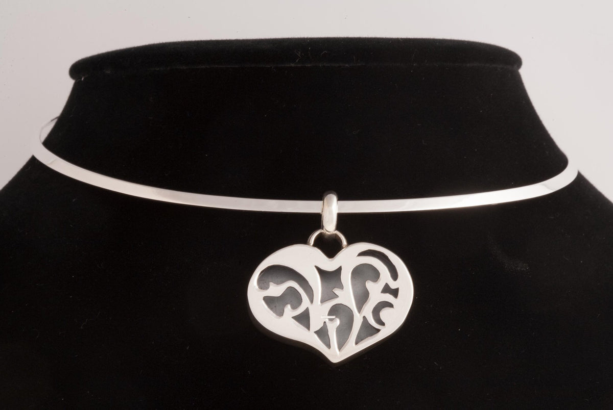 Filigree Heart Sterling Silver Pendant - Qinti - The Peruvian Shop