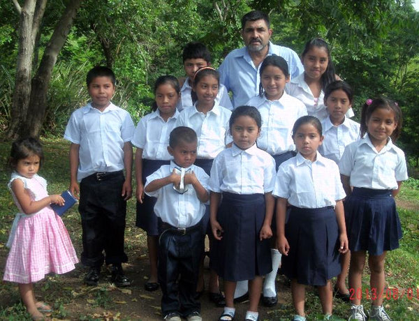 Nicaraguan Students Receive Uniforms, Now in School