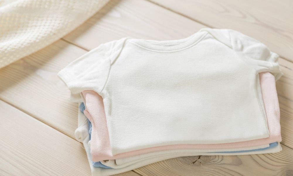 How to Choose Clothes That Protect Your Baby's Skin
