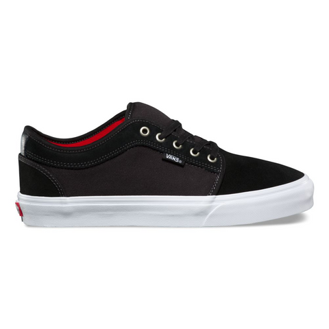 CHUKKA LOW BLACK WHITE CHILE PEPPER