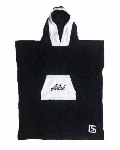 PONCHO SCRIPT JUNIOR BLACK