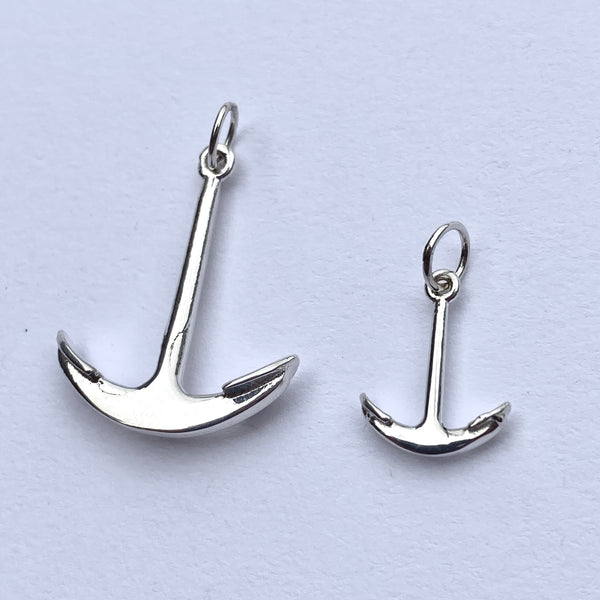 Medium Anchor Charm